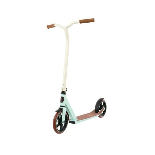 Solitary Urban 200 Lifestyle Scooter Tretroller Kickscooter Messe Roller