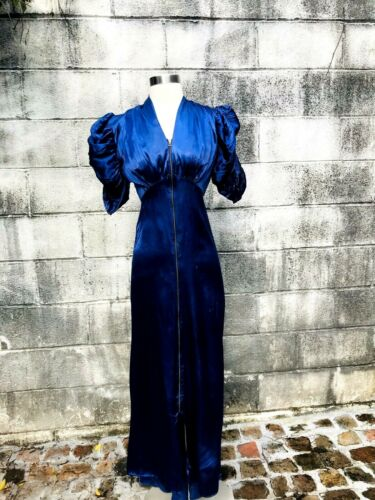 1930's Vintage Rayon Satin Dressing Gown W/ Adorab