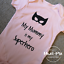 Heat Vinyl Print 3-6 9-12 mths Pink Blue Superhero Mummy Baby Grow 0-3 6-9