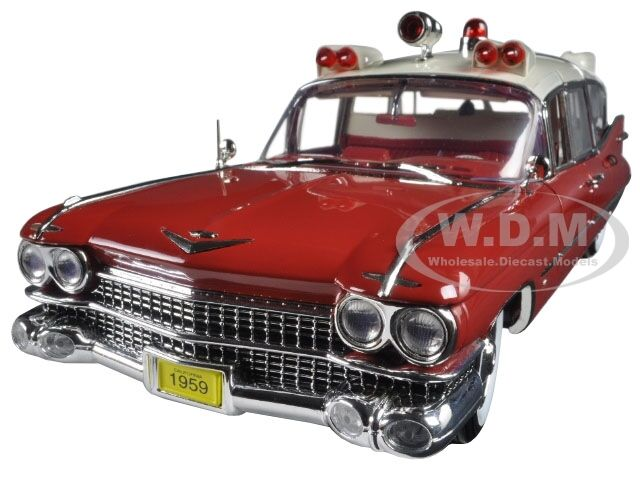 1959 CADILLAC AMBULANCE RED WHITE PRECISION COLLECTION 1 18 BY GREENLIGHT 18001