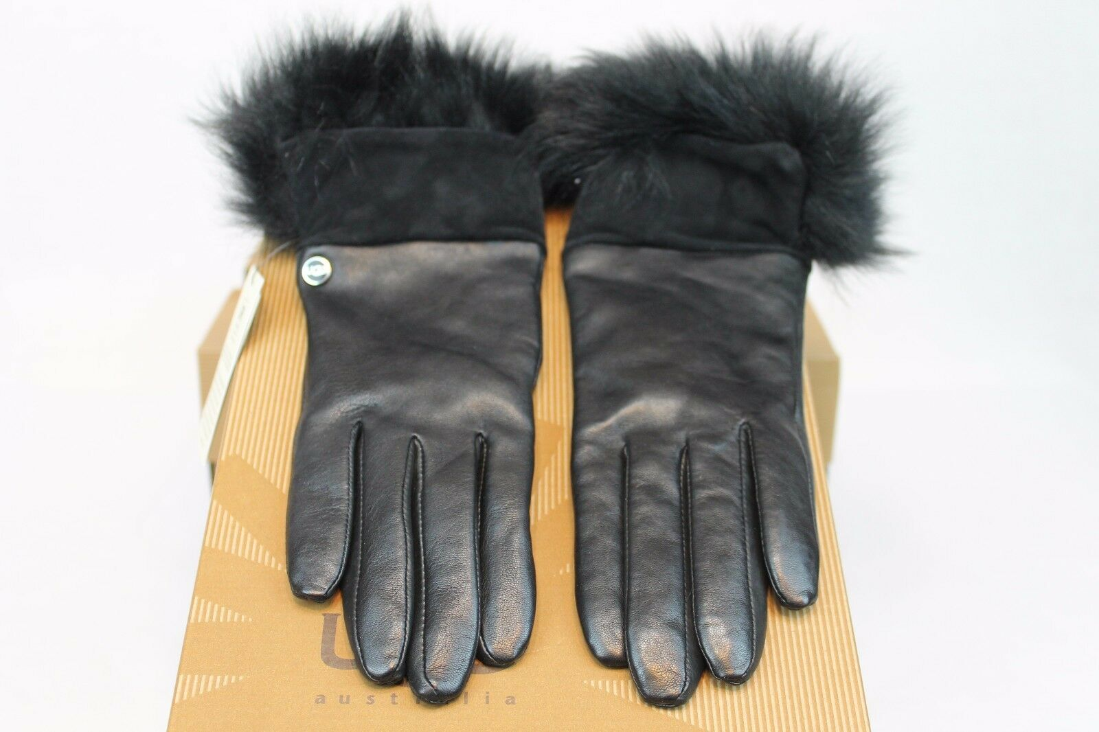 GANTS UGG AUSTRALIA QUINN AVEC TOSCANA TRIM BLACK COLOR TOUCHSCREEN FRIENDLY