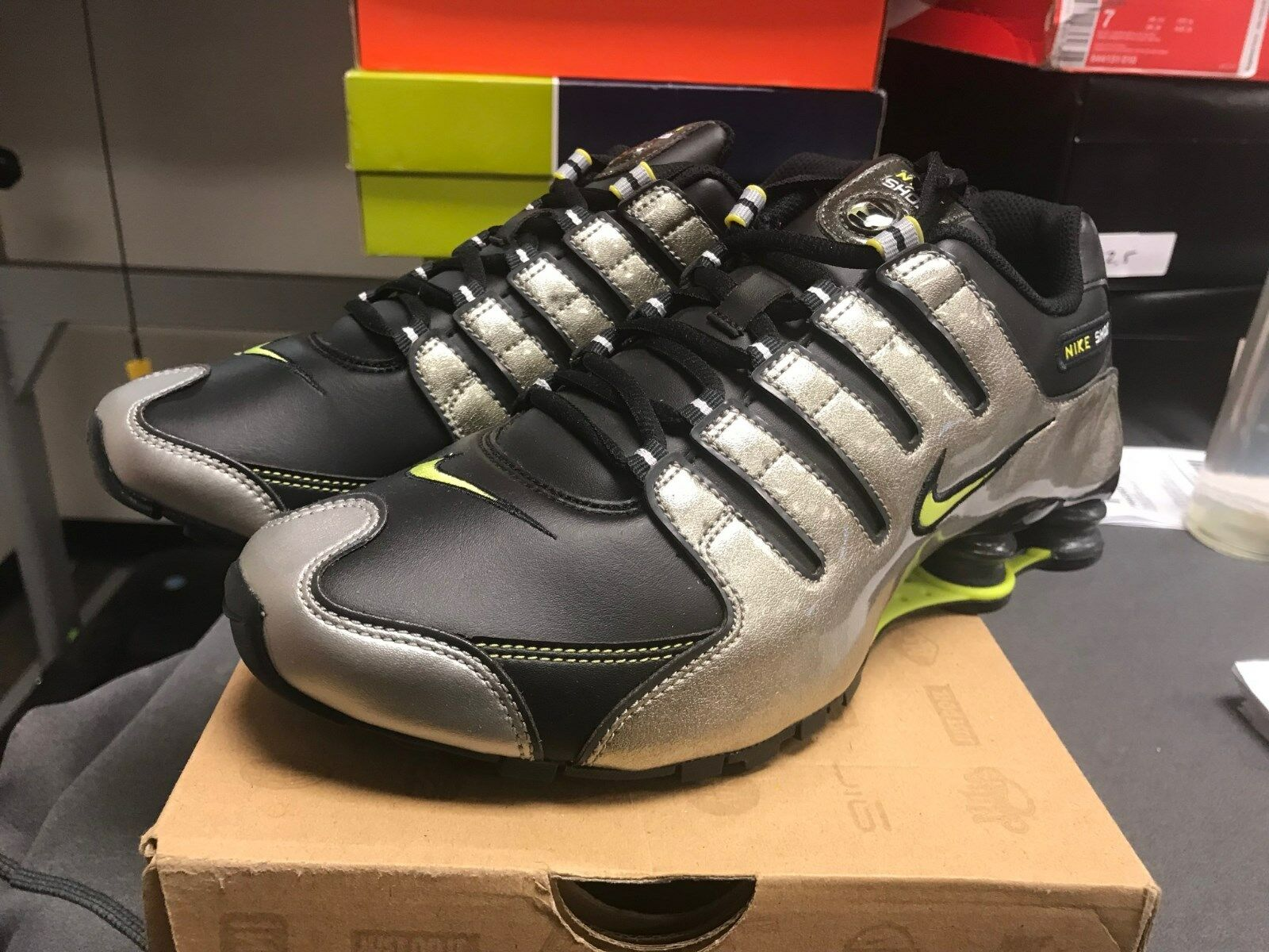 Hombre nike Shox NZ Premium zapatillas nuevas, plata / verde temporada lima 366363-031 liquidación de temporada verde c883be