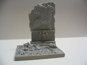 Reality-In-Scale-35022-1-32-1-35-Ruined-City-Villa-for-Diorama-8-5x6x10-5cm
