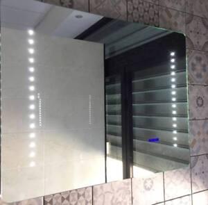 Specchio Da Bagno Con Luci Led.Specchio Da Bagno Con Luci Led Radio Fm Touchscreen Manhattan