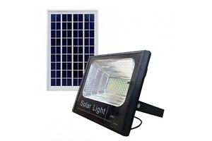 Faro-led-200w-con-pannello-solare-luce-fredda-crepuscolare-telecomando-esterno