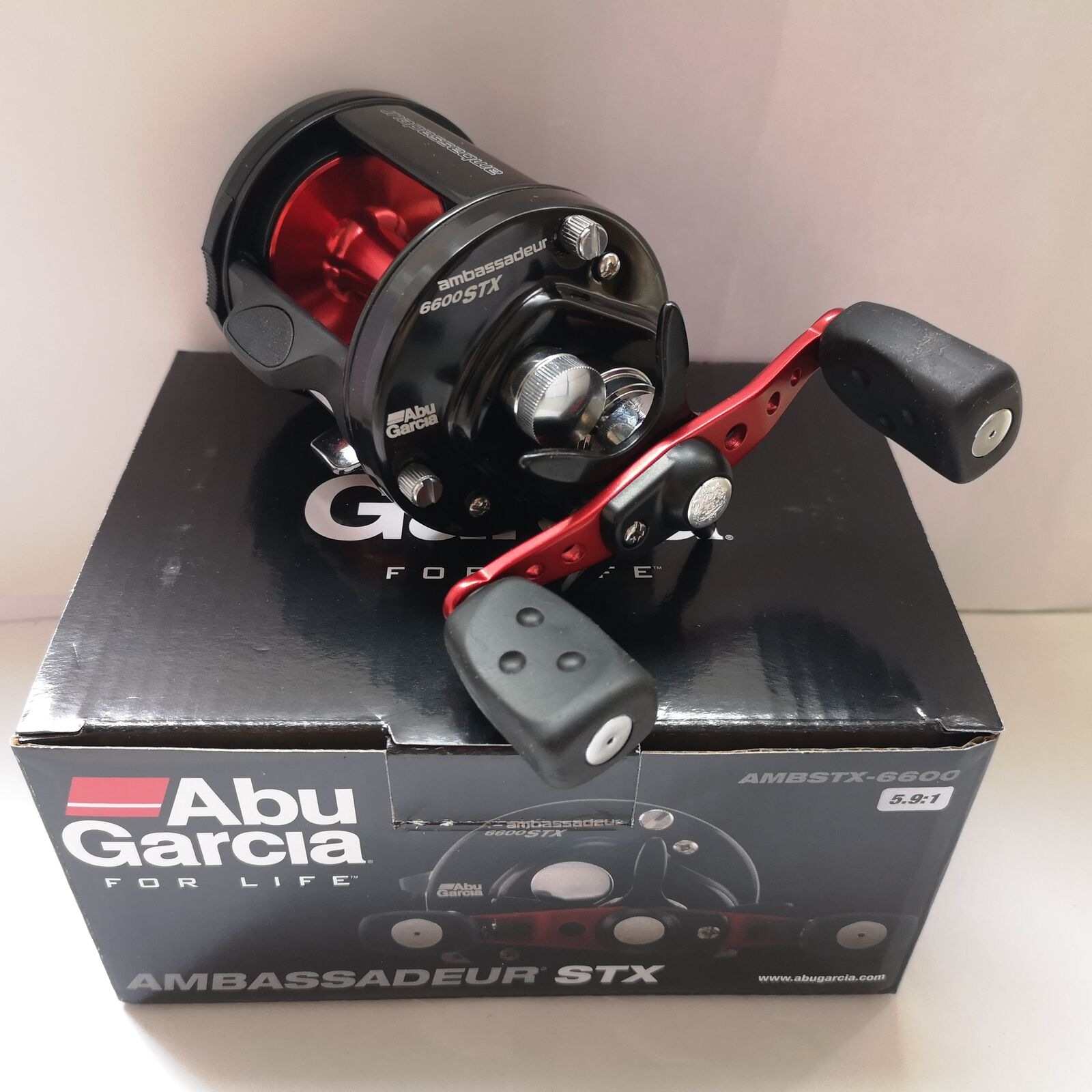 Abu Garcia Ambassadeur STX 6600 Round Baitcast Reel 5.9 1 Ratio  1292726