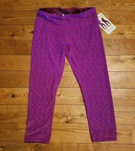 f4f8528f5 NWT Womens ACTIVE LIFE Fuschia SD Reversible Capri Pants Size SMALL ...