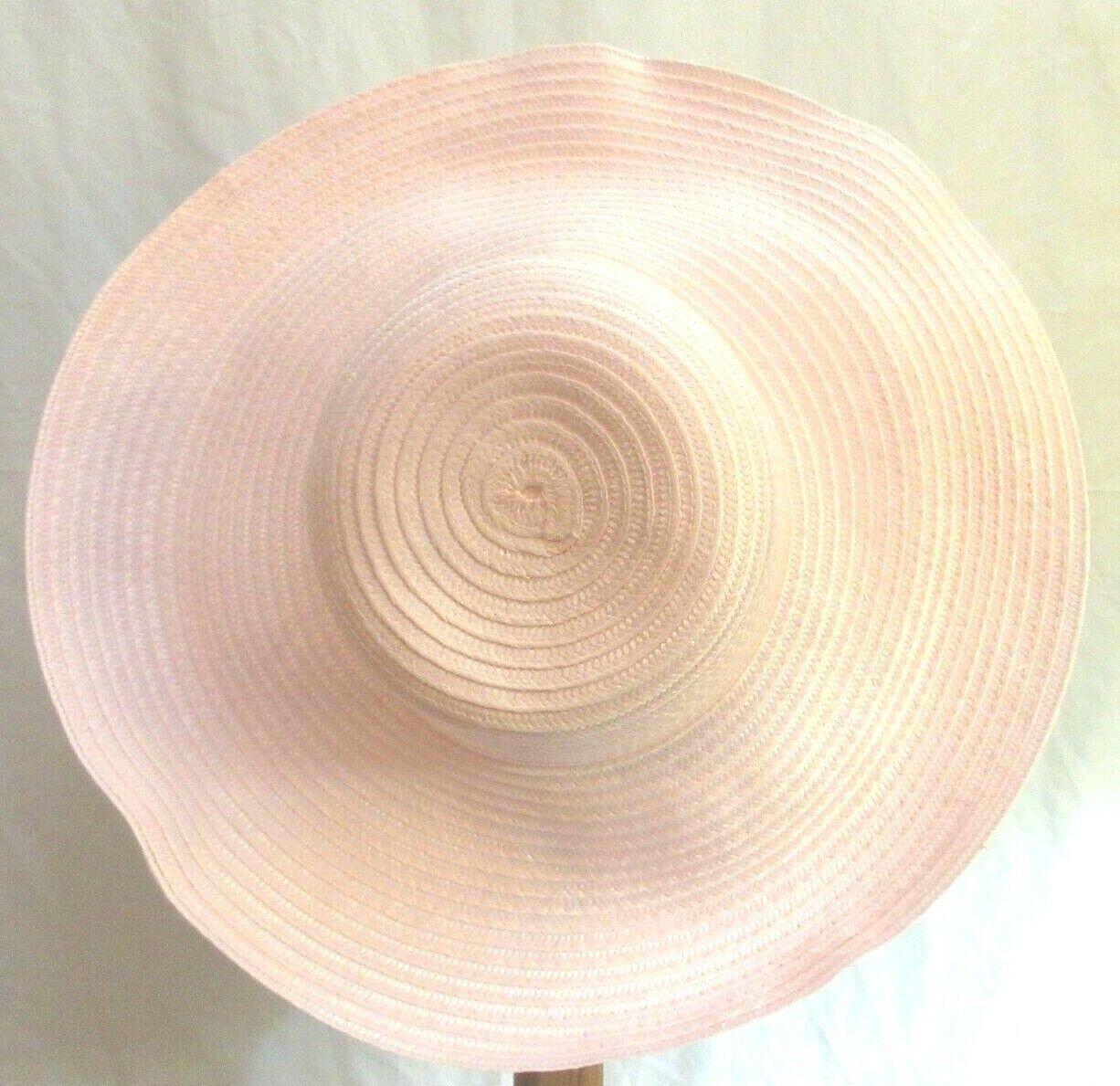 Vintage Ladies Pink Woven Straw Like 4.5