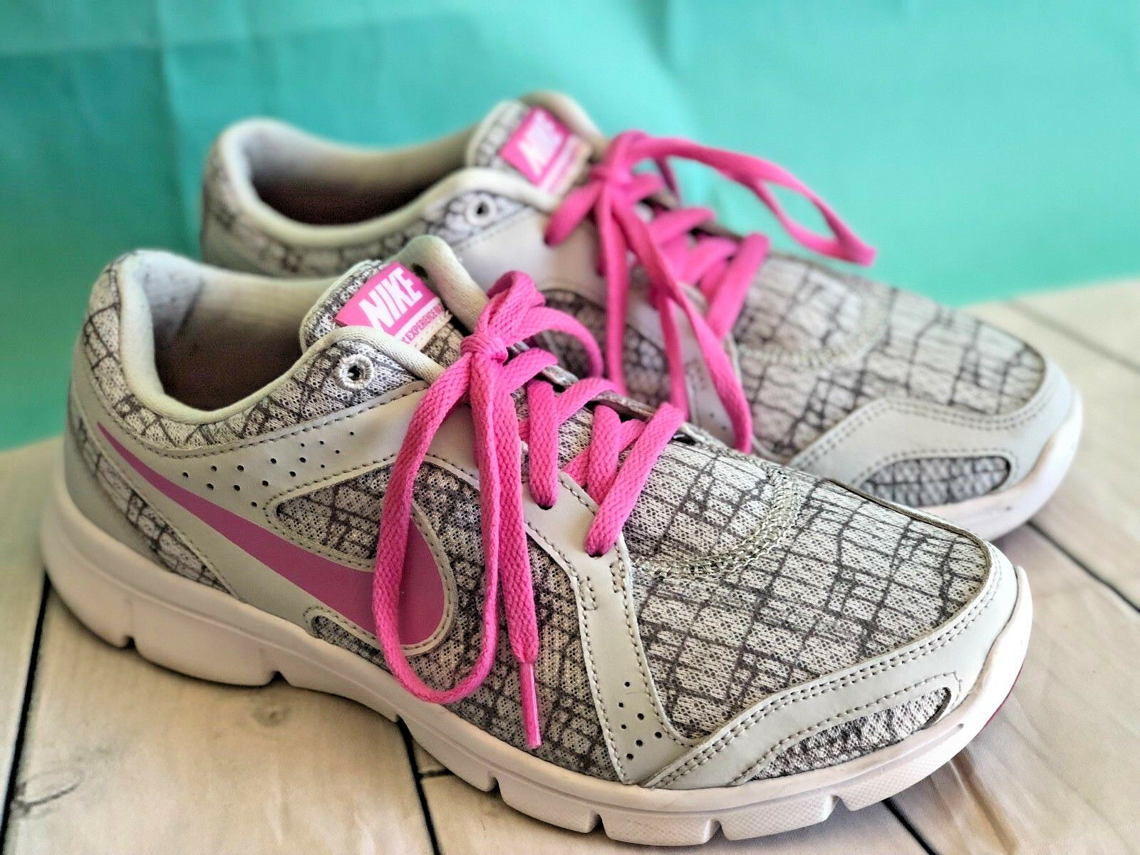 Nike Flex Experience Run 2 Wmns Running Shoes  Gray Metalic Lavende Pink  Shoes 8 0406fb