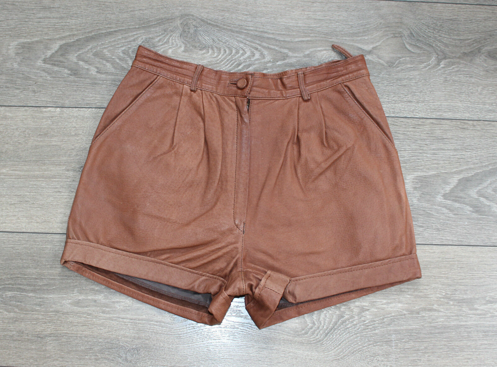 Brown Leather EPISODE High Waist Front Pleats Hot Pants Shorts Size W28  L2