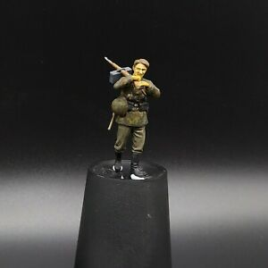 Painted-1-35-Waffen-Ss-Figure-Carrying-Mg42-Masterbox-1-35-ww2