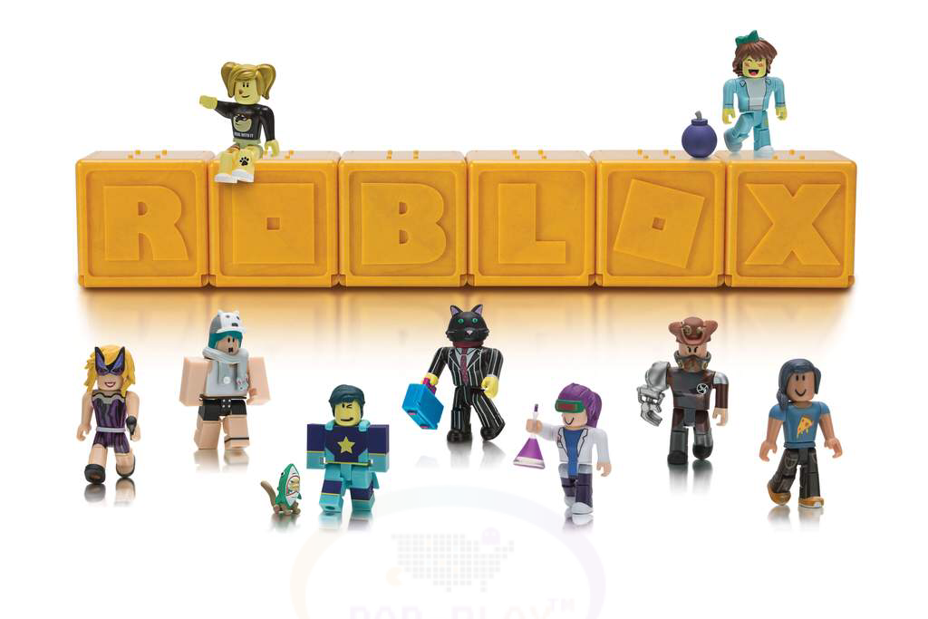 ROBLOX Series 1 Gold Mystery Figurine Set of 2 With Virtual Item Code