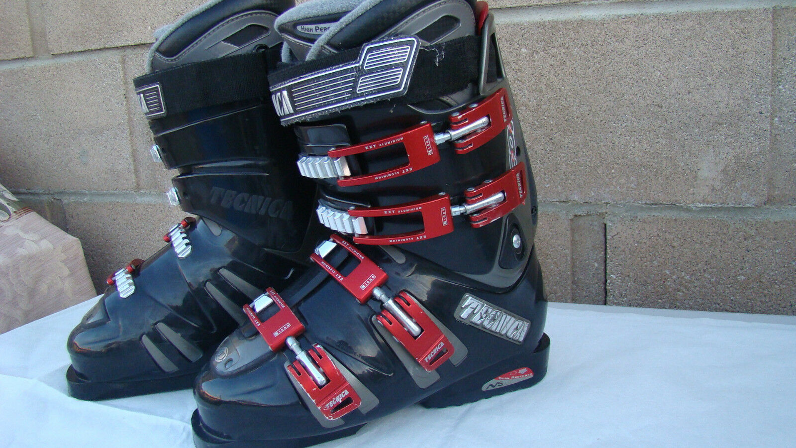 Tecnica TNT Icon XR Ski boots size 6.5 US men's