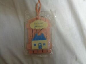 Jessica-039-s-Kitchen-Pink-Wood-amp-Blue-House-Refrigerator-Magnets