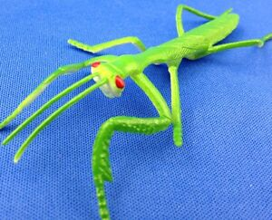 Praying-Mantis-Lot-of-7-pieces-INSECT-pvc-rubber-FAKE-Stick-BUG-educational-toy