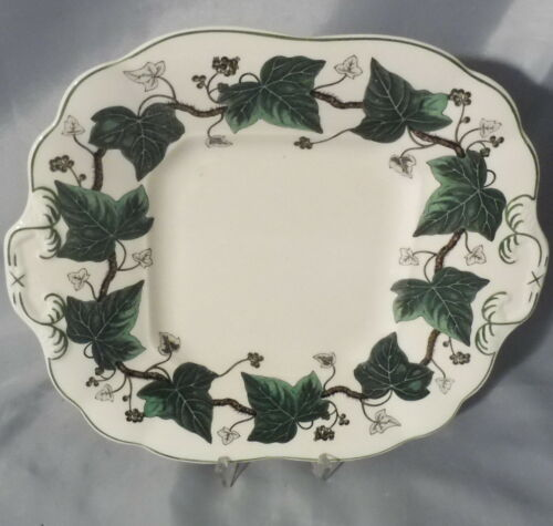 Höhe 3,5 cm Tablett // Kuchenplatte 27 x 22,5 cm Napoleon Ivy v Wedgwood