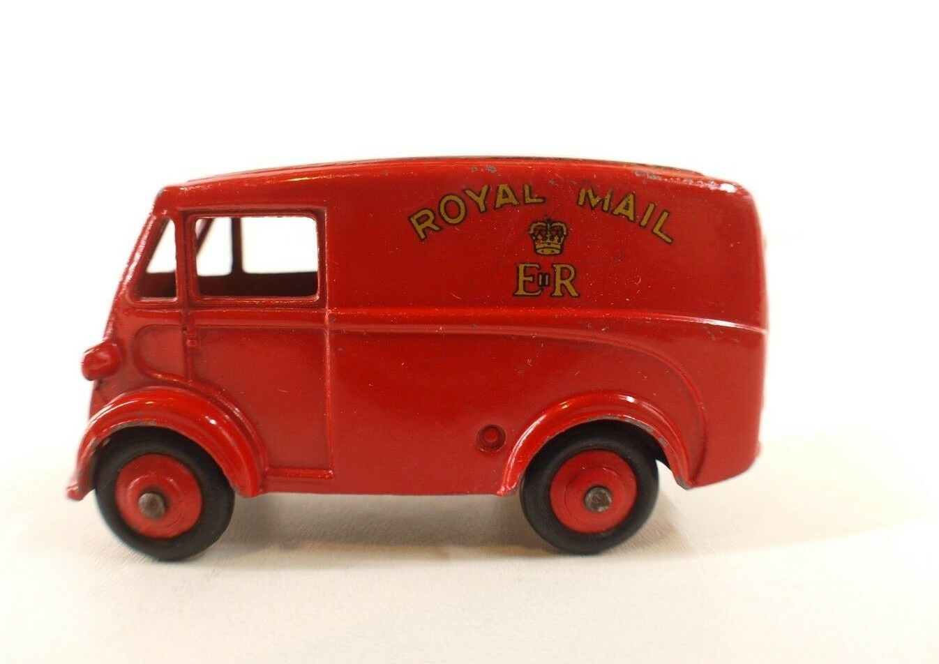 Dinky Toys GB No 260 Morris Royal Mail Van never played