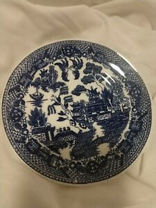 Japan-vintage-blue-willow-13-saucers-kissing-birds-motif