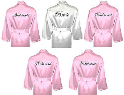 Personalised Wedding Robe Set Di 5 Abiti Da Sposa In Raso Vestaglie Bianco & Baby Rosa-mostra Il Titolo Originale Alta Qualità E Poco Costoso