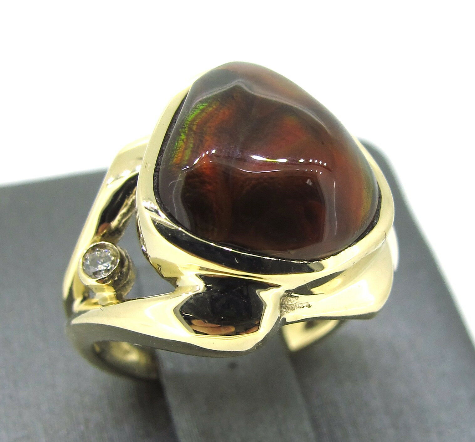 14k Yellow gold Vintage Agate Stone & Round Cut Diamond Ring Size 5