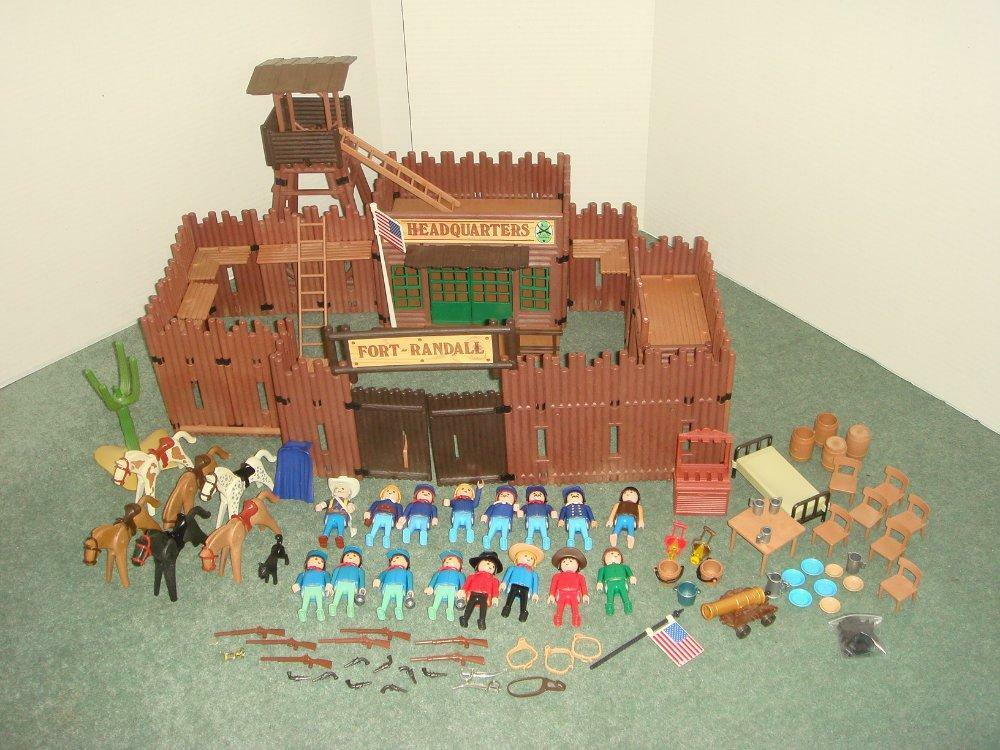 Playmobil-fort randall 3485 + extras - 16  figurines 6 chevaux-look  pratique