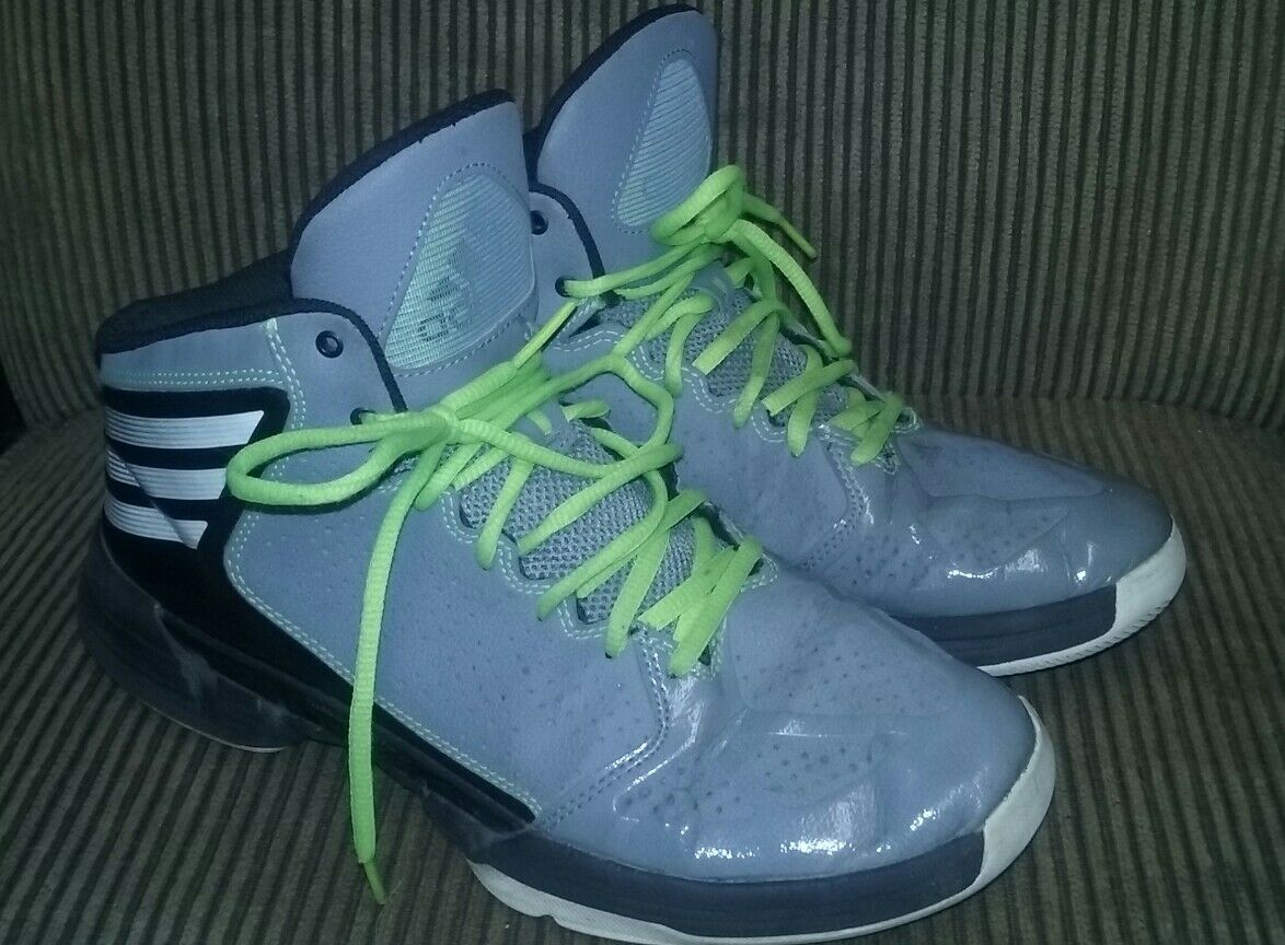 LAST ONES! Adidas Sneaker, Size 9.5 NICE!