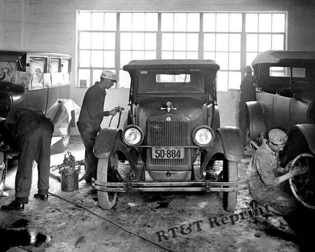 Photograph Vintage Joe McReynolds Bump Collison Shop 1926c   11x14