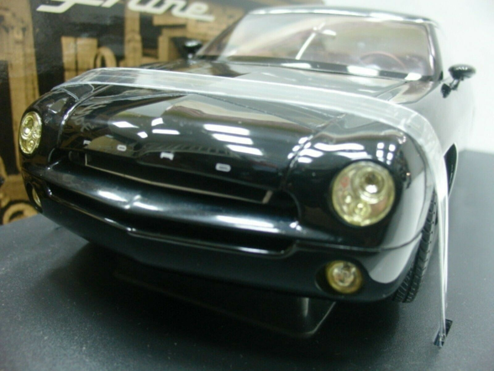 Wow extrêmement rare FORD FORTY NINE 2001 noir 1 18 Auto Art-GT MUSTANG MACH 1 RS