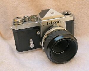Early-Nikon-F-With-Standard-Viewfinder-Prism-and-Micro-Nikkor-Lens