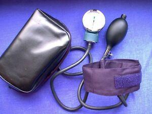 Dispositivo-per-misurare-la-pressione-sanguigna-bambini-misuratore-pressione
