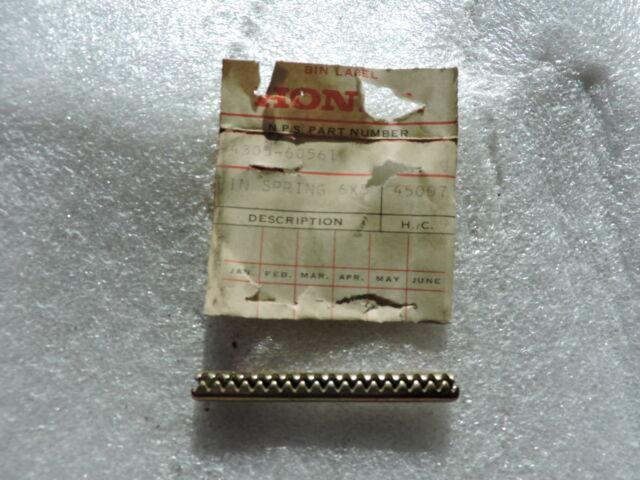 SPRING GENUINE Honda NOS 94305-20143 PIN 2X14