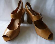 Clarks Zapatos De Las Señoras Cuero Tostado Tacón Alto, Size UK 5.5 (EUR 38.5) Excelente Estado!