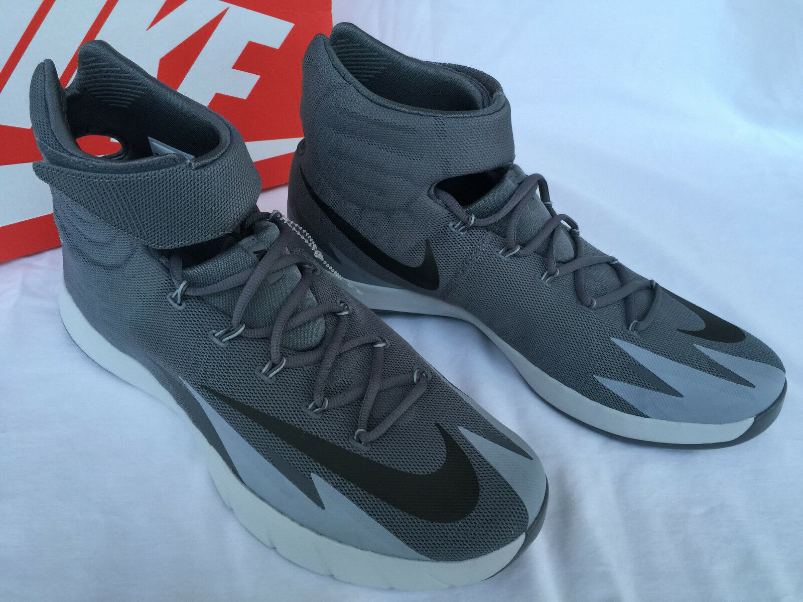 Nike Zoom Hyperrev Kyrie Erving 643301-013 Gray Basketball Shoes Men's 16.5 new
