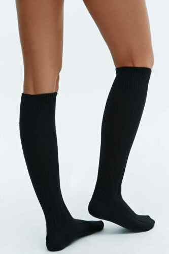 a41238301 2 of 7 2 x Urban Outfitters Chunky Pattern Over The Knee Socks - Black Size  4-7