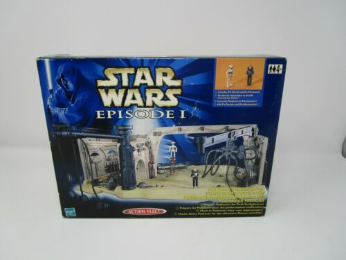 Podracer Hangar Bay Episode 1 STAR WARS Action Fleet Micro Machines Playset