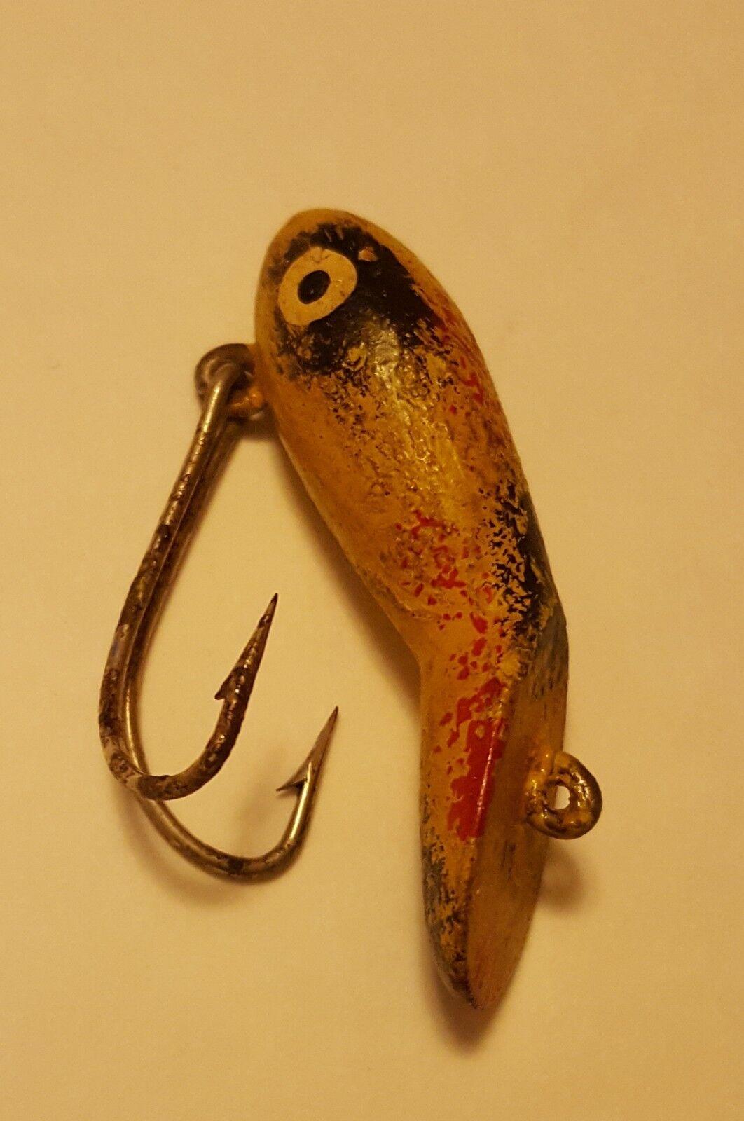 Beautiful  Vintage Fishing Fly Lure Peanut eppinger moonlight eat us wood NICE  good quality