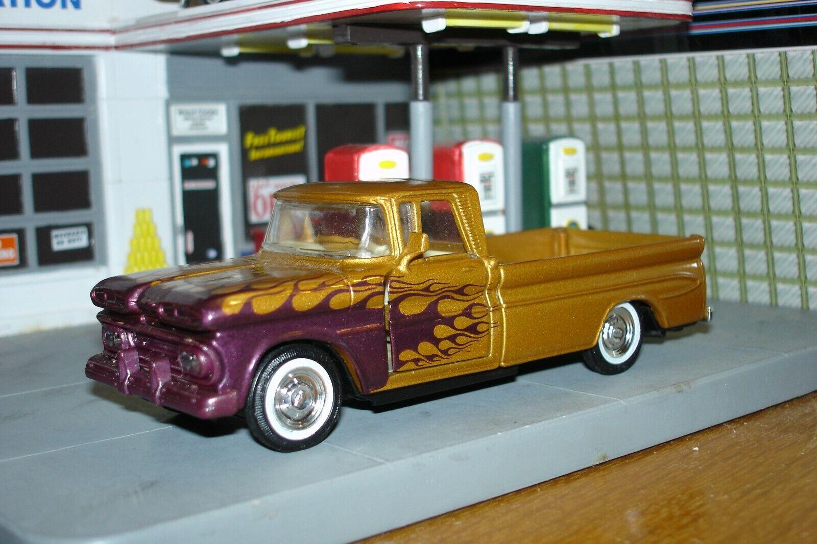 Hay más marcas de productos de alta calidad. 1961 Chevrolet Chevrolet Chevrolet Apache Camioneta, Hot Rod versión rara de oro, 1 43, o escala  70% de descuento
