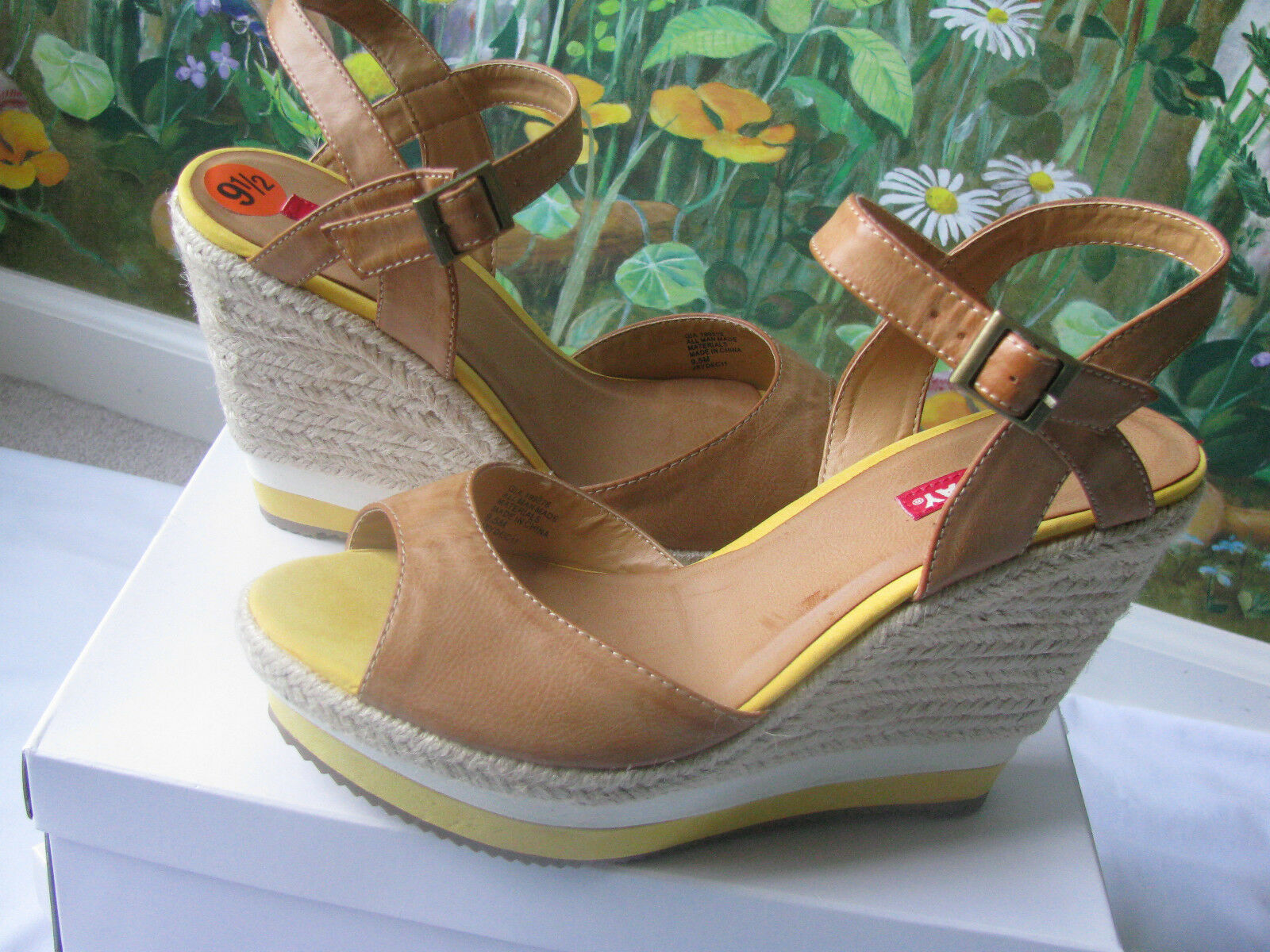 UNIONBAY Sandals Platforms   Wedge Women Sandals shoes size 9.5 New Without Box