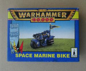 D10C23-SPACE-MARINE-MOTO-WARHAMMER-40000-W40K-1996-OPENED-DAMAGED
