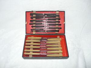 Coffret-Ancien-24-Couteaux-Inox-et-034-arme-et-cycle-034-corne-et-ebene-179