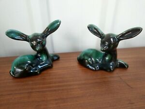 VINTAGE-RETRO-RARE-CANADIAN-BLUE-MOUNTAIN-POTTERY-PAIR-OF-DEER-DEERS-ORNAMENT