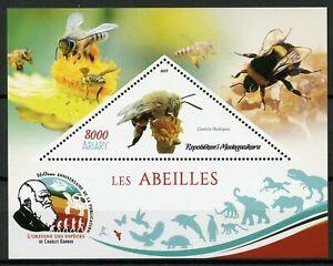 MADAGASCAR-2019-Gomma-integra-non-linguellato-API-centridine-Bee-centris-rhodopus-1v-S-S-insetti