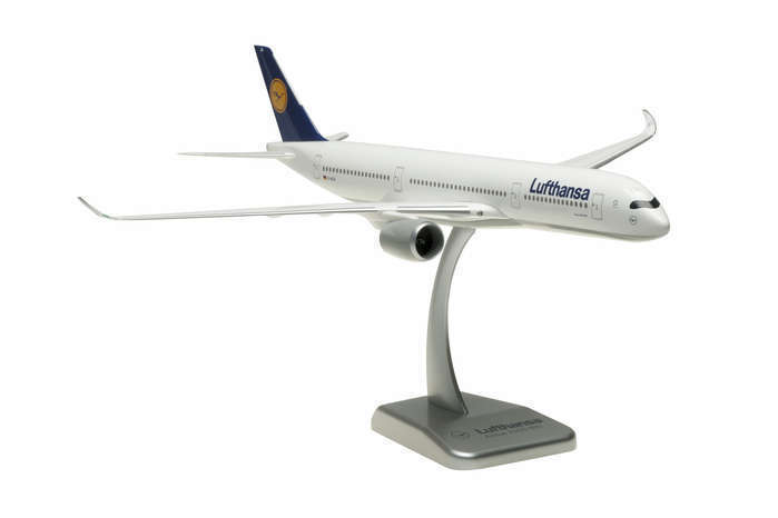 Hogan Lufthansa Airbus A350-900 1 200 Scale Model with Stand no Gears D-AIXA