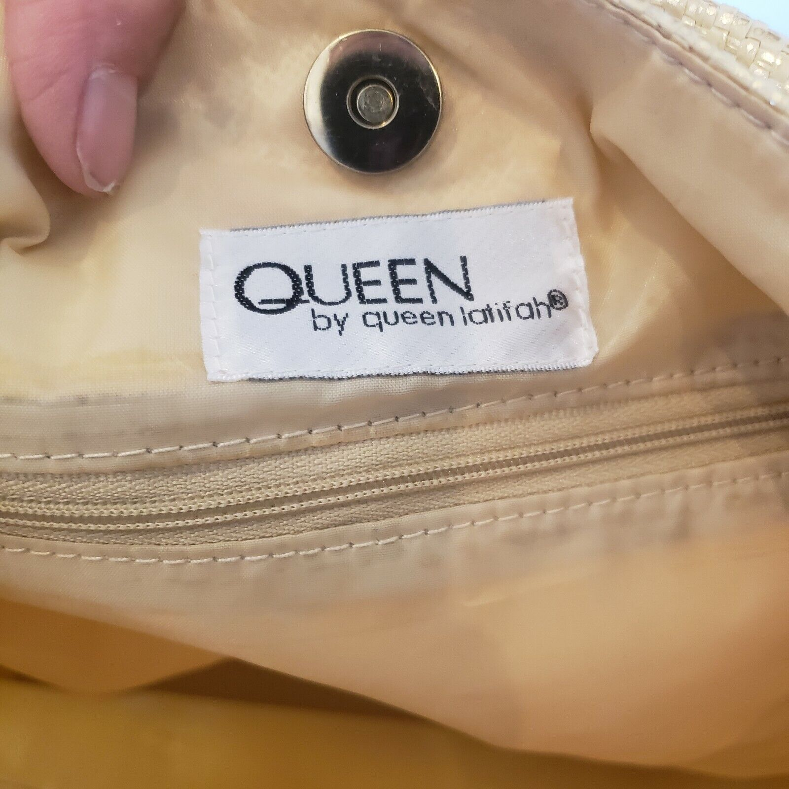 """""""QUEEN"""" Gold woven Lined Large Handbag by """"QUEE… - image 8"""
