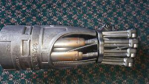 Terminator Salvation Deluxe T-600 Power Fist Toy