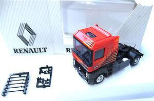 Renault Zugmaschine  AlBedo HO  1:87 .#3342