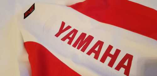 FREE SHIPPING WORLDWIDE! Red /& White SEAT COVER ULTRA GRIP YAMAHA RAPTOR 700