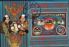 BL15 GUINEE-BISSAU Bloc oblit:rencontre spatiale  Apollo-Soyouz dans l'espace