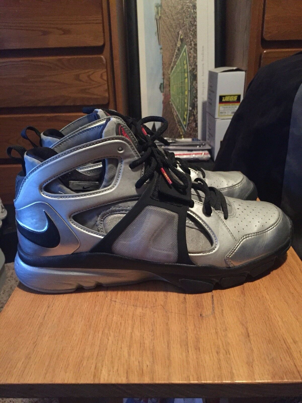 NIKE Zoom Huarache TR MID WM Alpha Trainer size 10. Silver