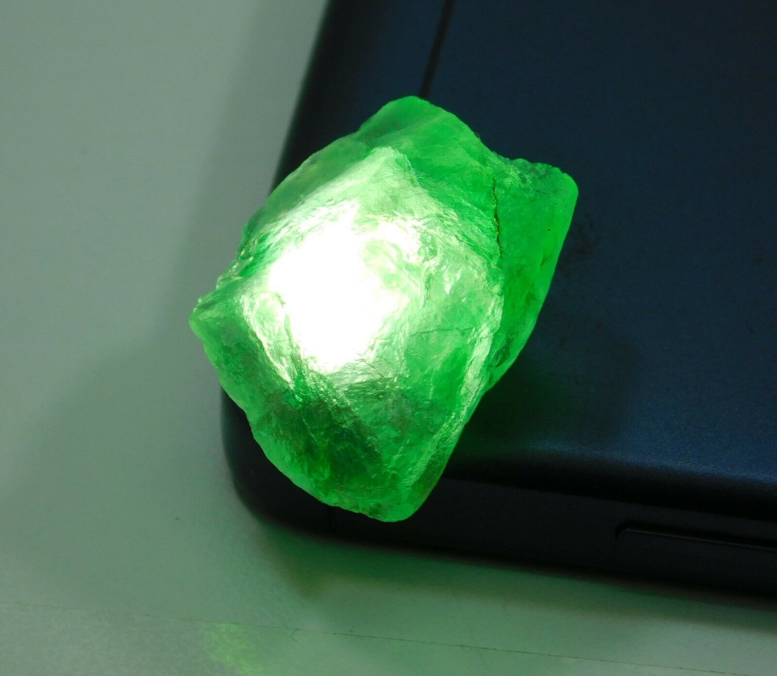 Natural Translucent Colombian Emerald Green Loose Mineral Rough Details about  /291.45 Cts